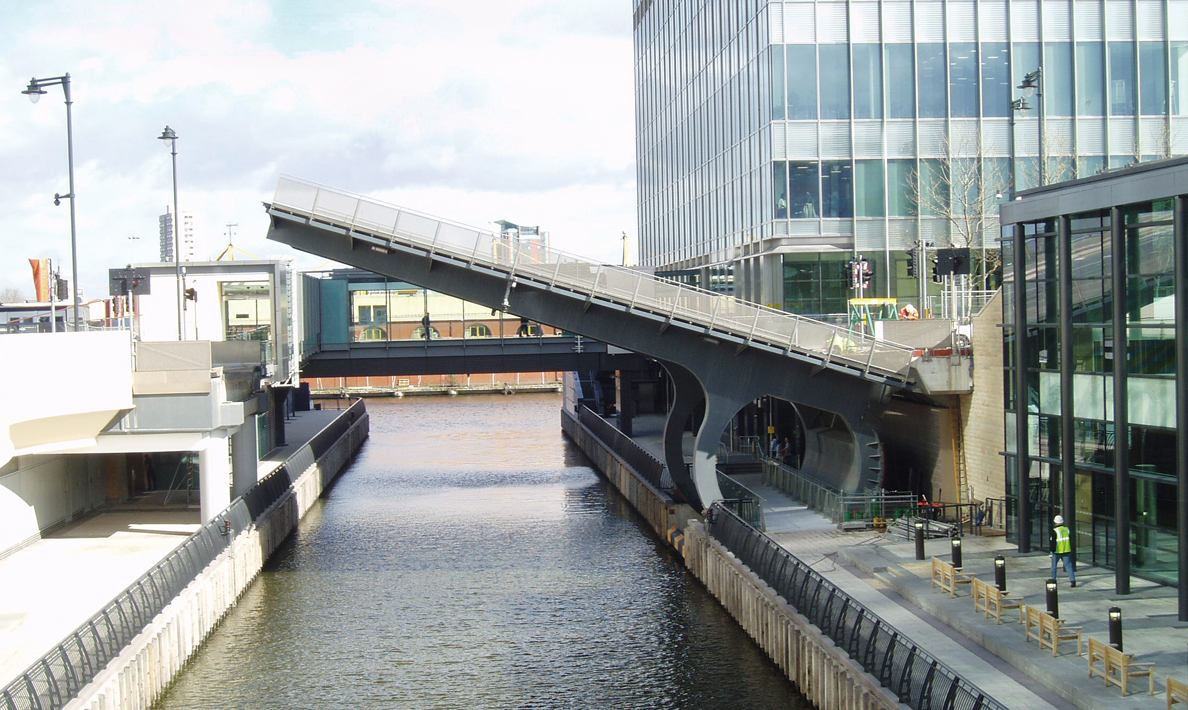 Bellmouth Bridges operating and control systems for two bascule bridges | Canary Wharf