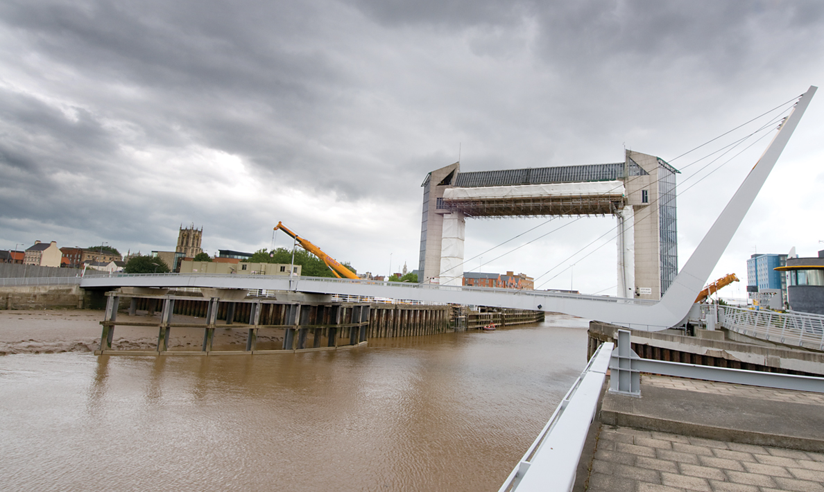 Refurbishment of Hull Tidal Surge Barrier including new operating and control systems | Hull
