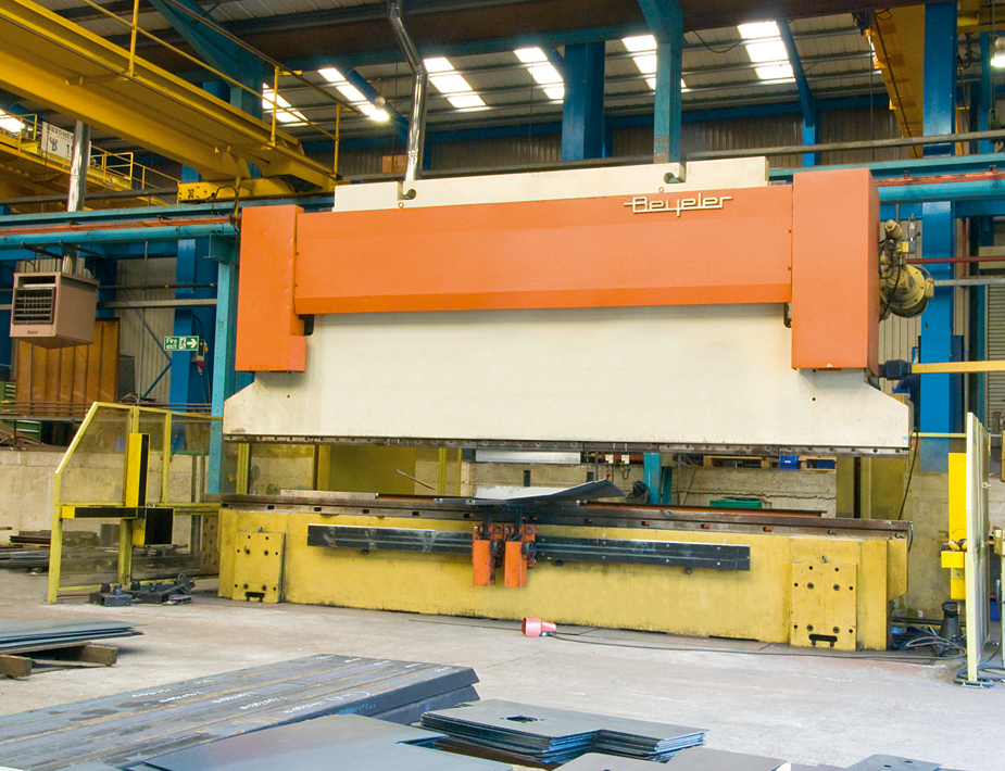 CNC press brake for plate bending