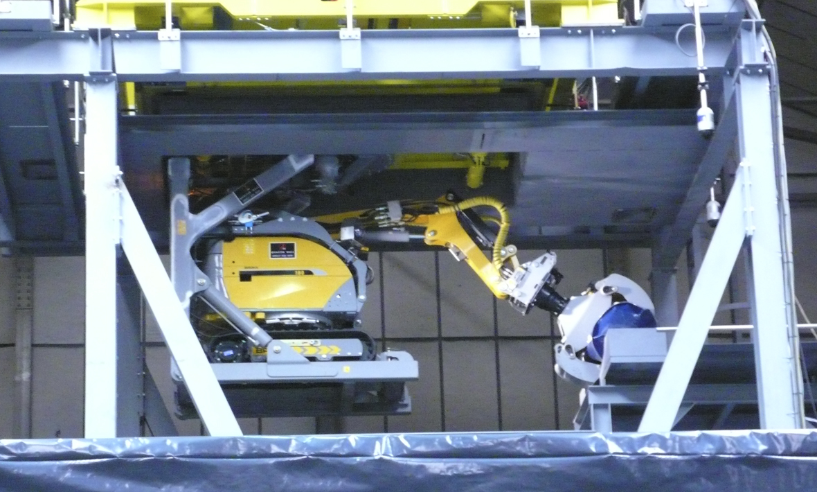 Nuclear waste vault retrieval machine under test at Qualter Hall - 3 of 7