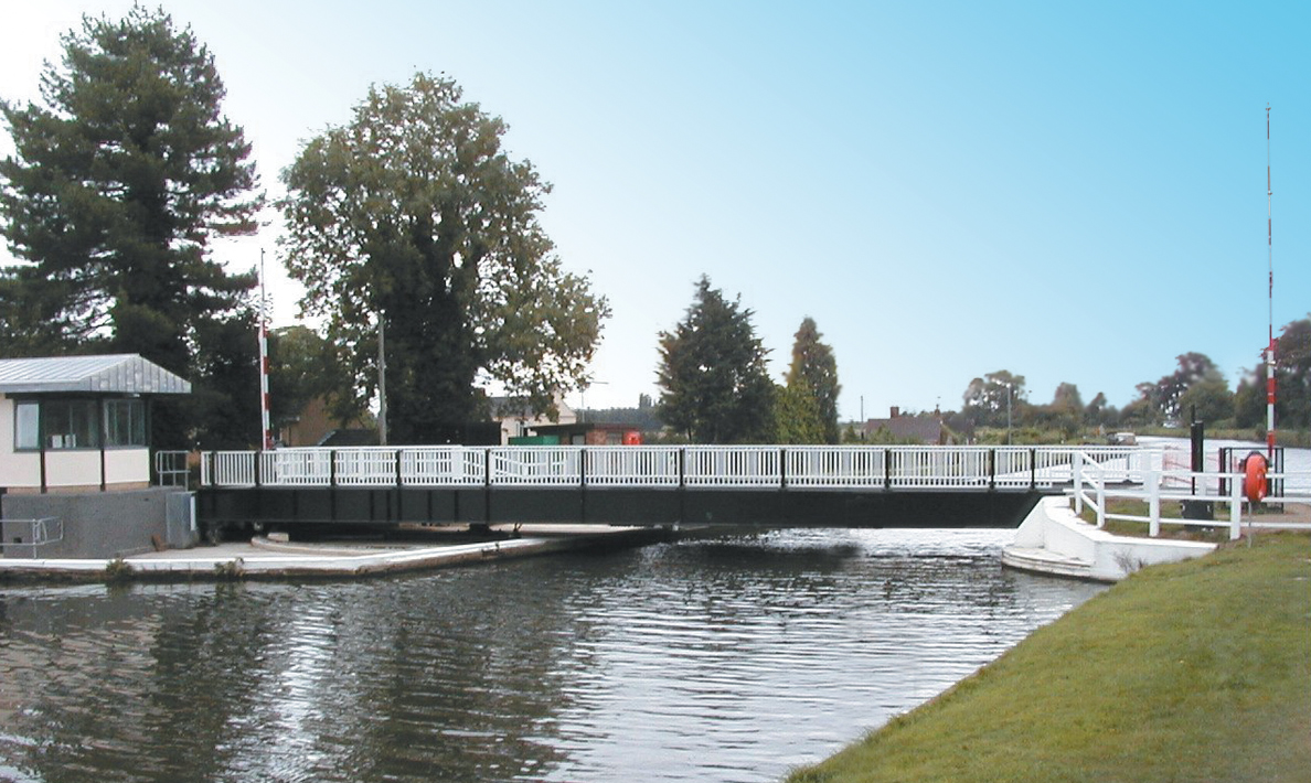 Swing bridge | Fretherne