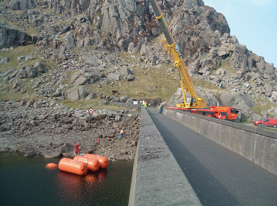 Refurbishment of Stwlan bulkhead gate | Ffestiniog hydro-electric power station | Stage 3 - gate lifted on to transport