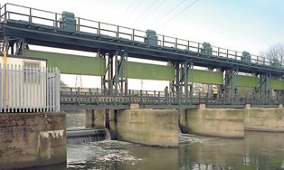 Five river control gates and control system replaced with modern design | Spondon Sluice