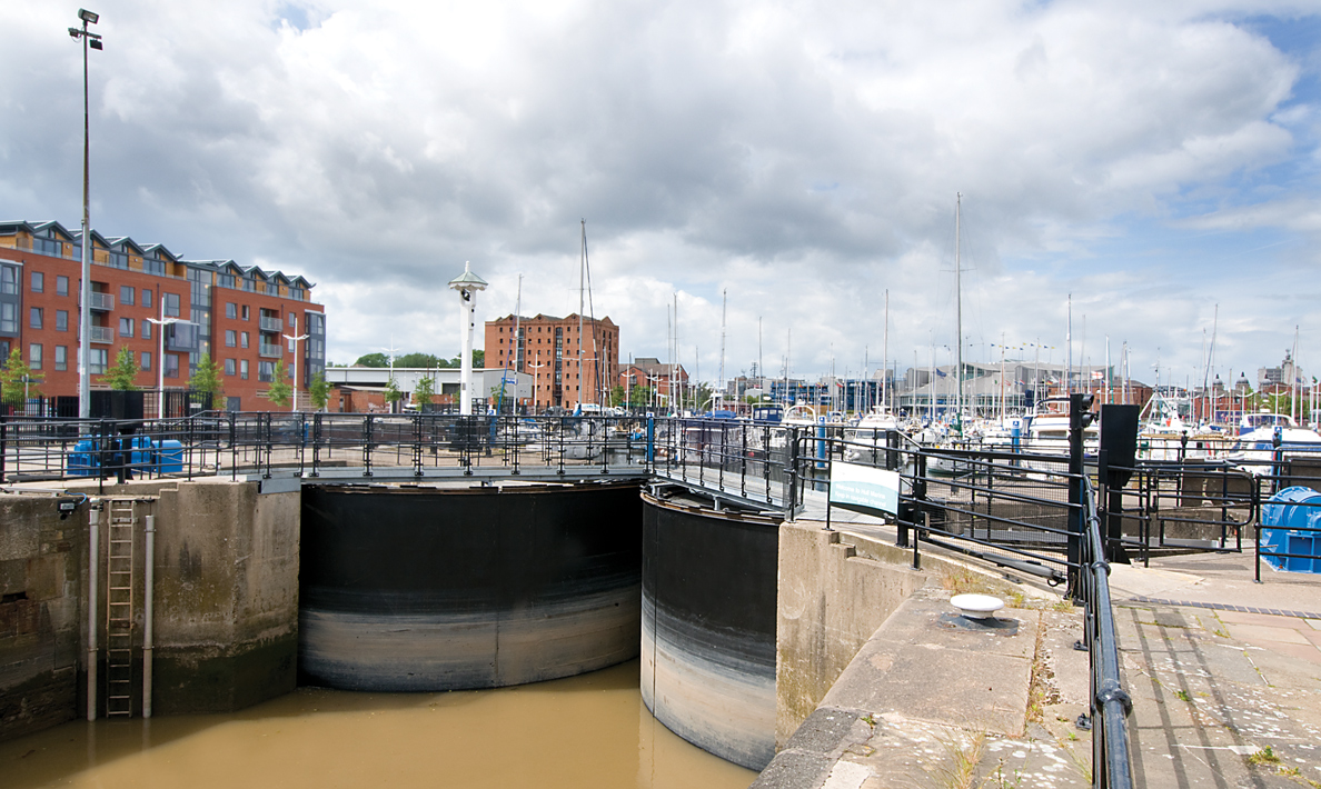 Refurbishment of sector gates | Hull Marina